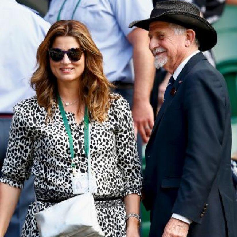 Así apareció Mirka Vavrinec, esposa de Roger Federer, en la final de varones donde su esposo perdió ante Novak Djokovic. Foto:Getty Images