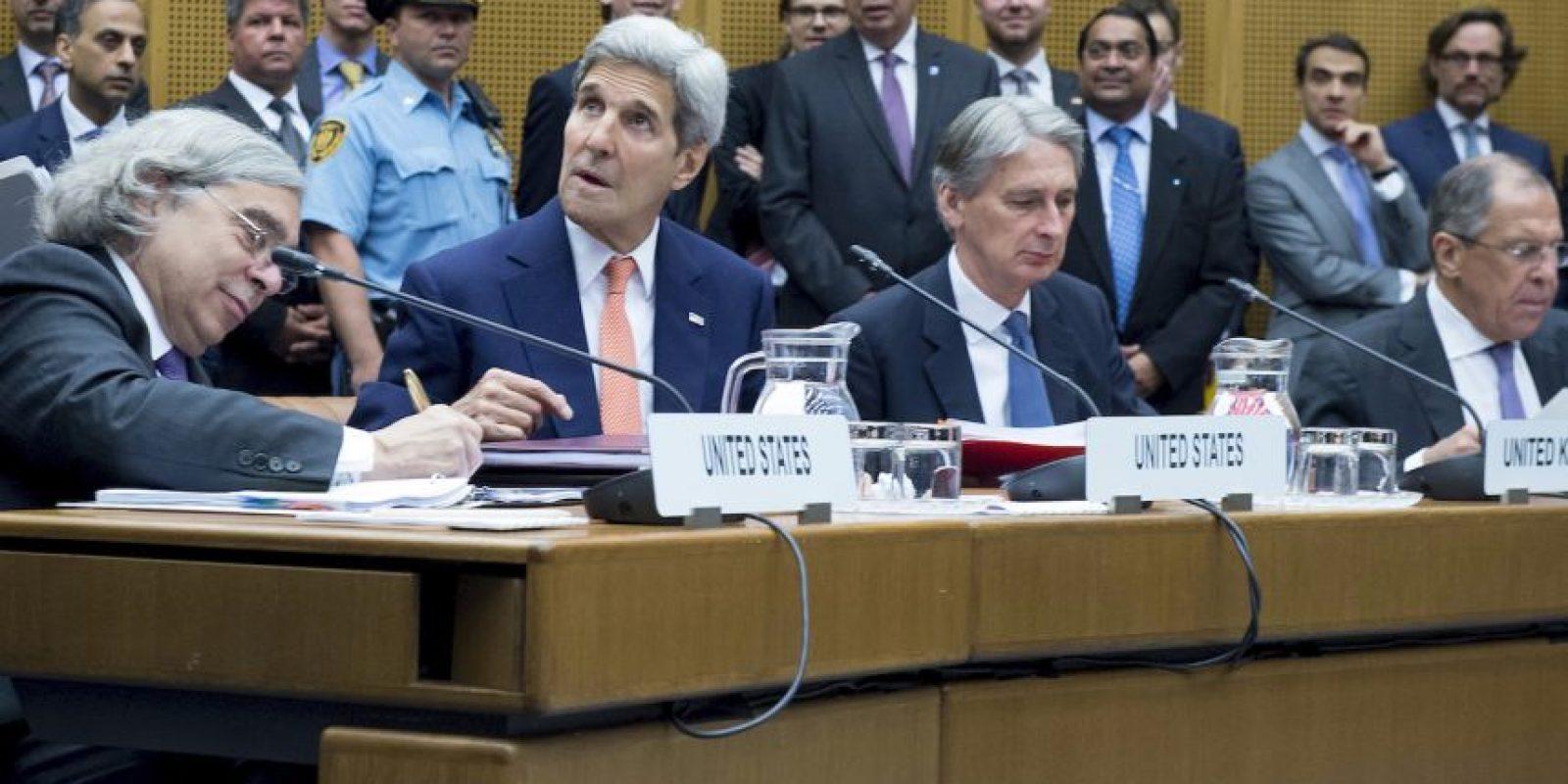 """6. Gracias a este acuerdo, la comunidad internacional podrá verificar que Irán no desarrolla un arma nuclear"""", agregó Obama en su mensaje. Foto:AP"""