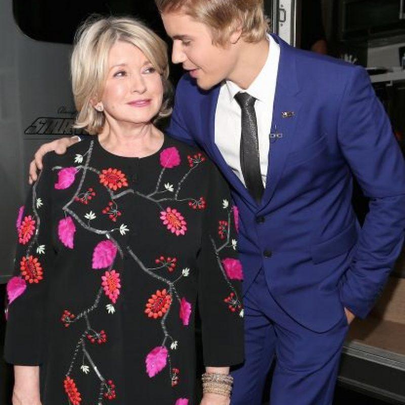 """Stewart también recordó el día en que Bieber fue víctima de las bromas más pesadas en su """"Roast"""" del canal Comedy Cental Foto:Getty Images"""