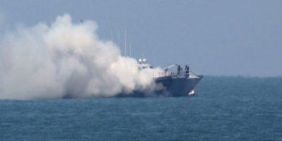 El barco de patrulla naval fue atacado por un barco guardacosta. Foto:AFP