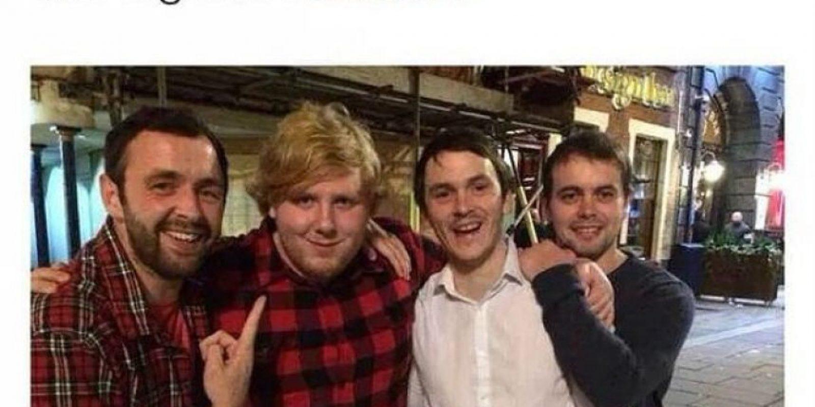 Ellos se encontraron a Ed Sheeran y se confesaron fieles seguidores Foto:vía collegehumor.com