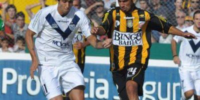 Jugó algunos partidos en primera división con el Olimpo Foto:Vía twitter.com/juanmauri