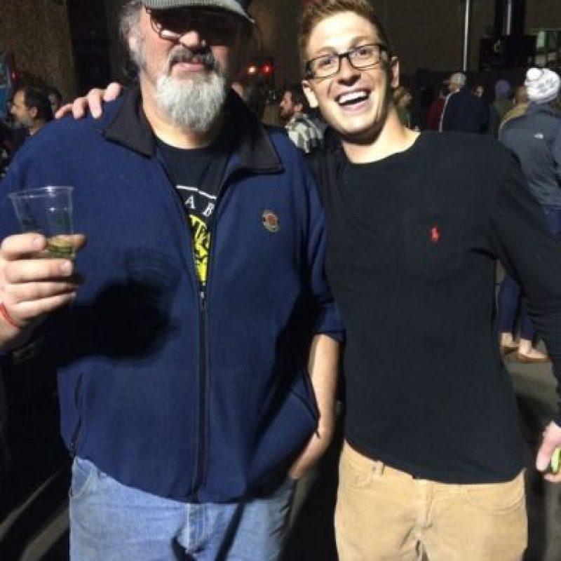 """Este chico pensó que se había encontrado con el autor de """"Games of Thrones"""" Foto:vía collegehumor.com"""