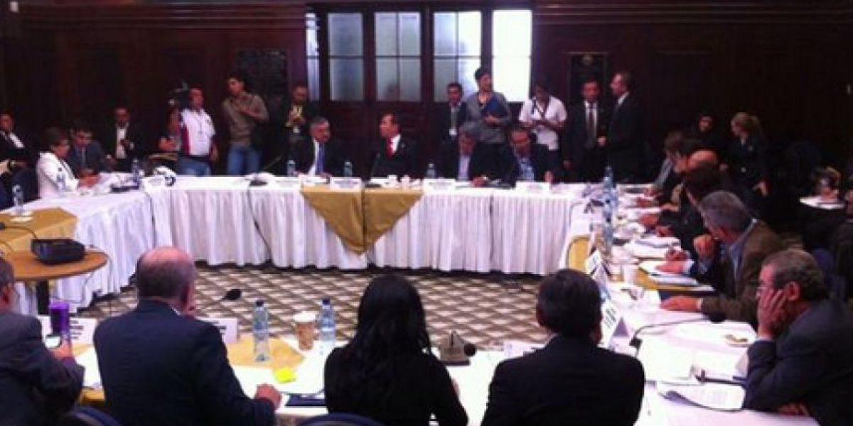 Comisión que discute reformas a Ley Electoral se declara en sesión permanente