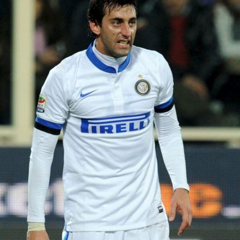 """A los 30 años, el futbolista argentino llegó al Inter de Milán, equipo en que el que ganó el """"triplete"""" en 2010 bajo las órdenes de José Mourinho. Foto:Getty Images"""