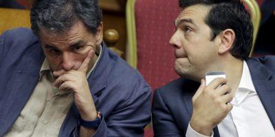 Ahora, Tsipras enfrenta severas críticas por haber aceptado peores condiciones que las impuestas anteriormente. Foto:AP