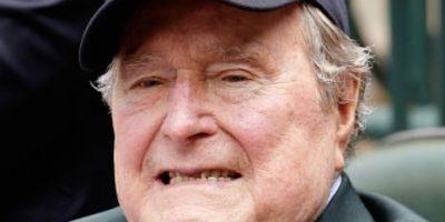 El padre de George Bush fue hospitalizado por una caída