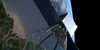 Científicos suizos lanzaron el programa CleanSpace One encaminado a retirar la basura espacial desde la órbita terrestre Foto:NASA