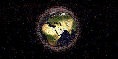 """Claude Nicollier, astronauta de la Agencia Espacial Europea, dijo que: """"Ya va siendo hora de aplicar las medidas correspondientes para reducir la cantidad de desechos en la órbita"""" Foto:NASA"""