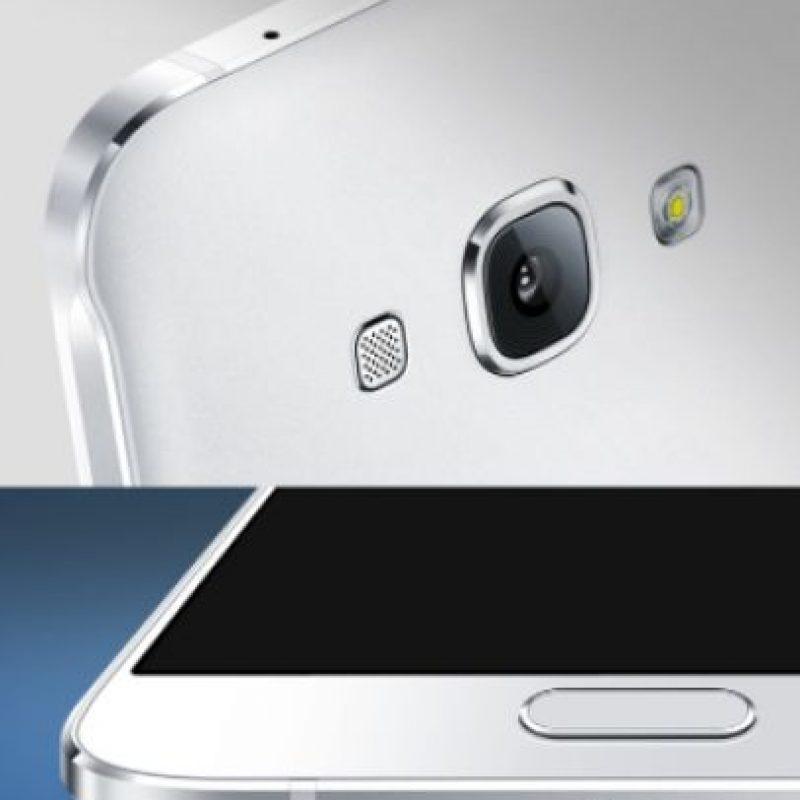 Mantiene el diseño de los Galaxy modernos Foto:Samsung