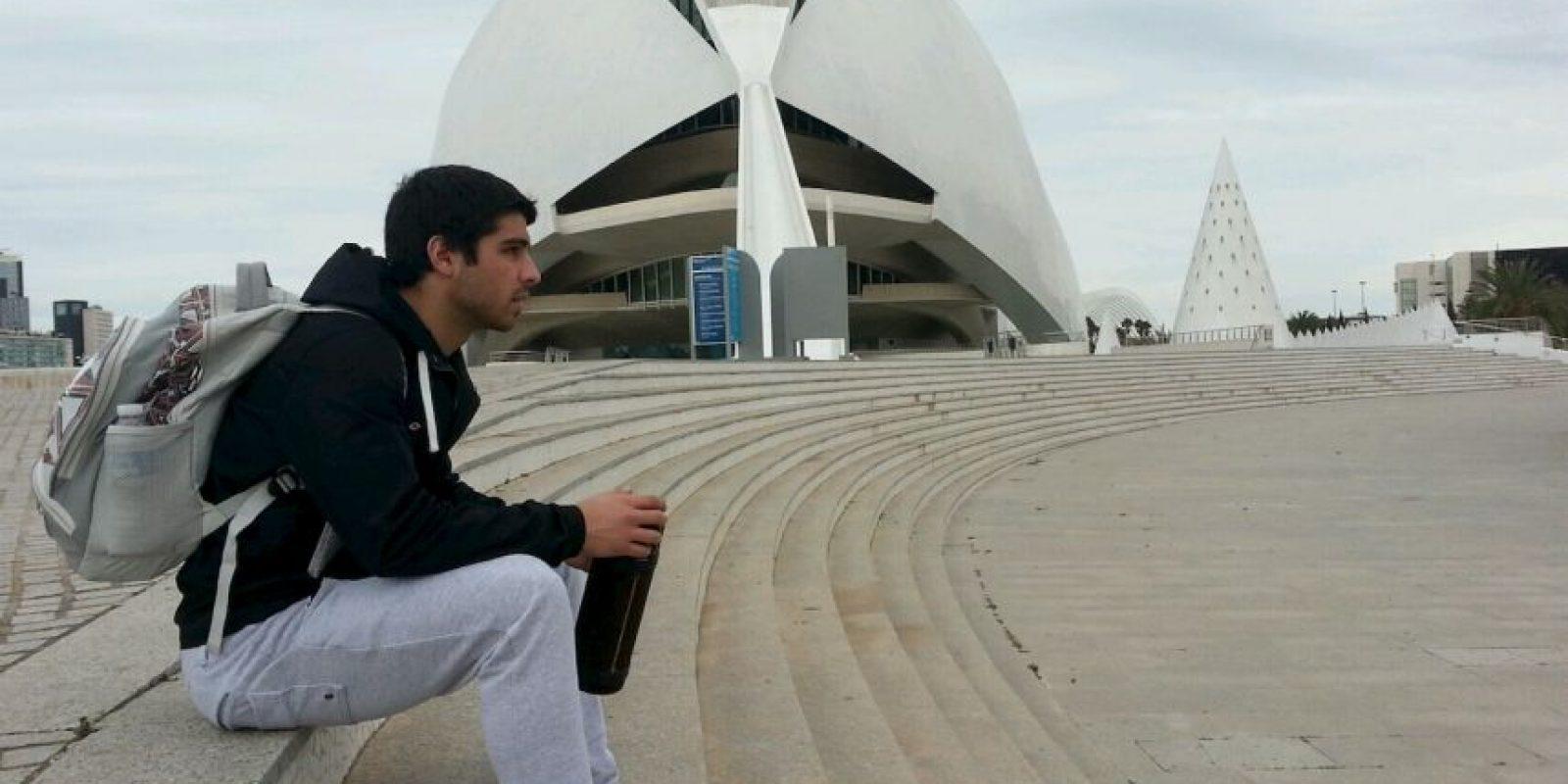 Juan Mauri tiene 26 años y jugaba en el Tiro Federal de Bahía Blanca de la tercera división de Argentina Foto:Vía twitter.com/juanmauri