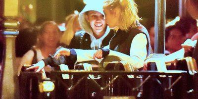 La cantante y modelo fueron vistas en Disneylandia. Foto:Grosby Group