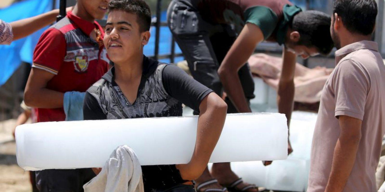 Un informe del Observatorio Sirio para Derechos Humanos ha revelado que en lo que va de 2015 un total de 52 niños soldados reclutados por Estado Islámico han fallecido. Foto:AFP