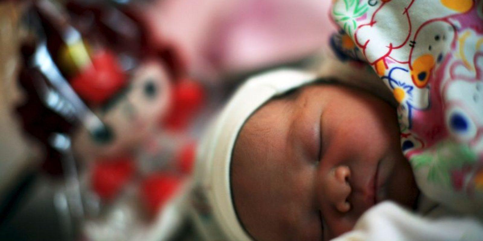 Una niña brasileña fue abusada sexualmente por su padrastro que quedó embarazada. Ella no supo de qué se trataba hata que comenzó a quejarse de dolores en el estómago mientras estaba en la escuela. Foto:Getty Images