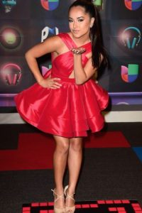 """Becky G ganó en la categoría """"My Favorite Hit"""" con el tema """"Showe"""" Foto:Getty Images"""