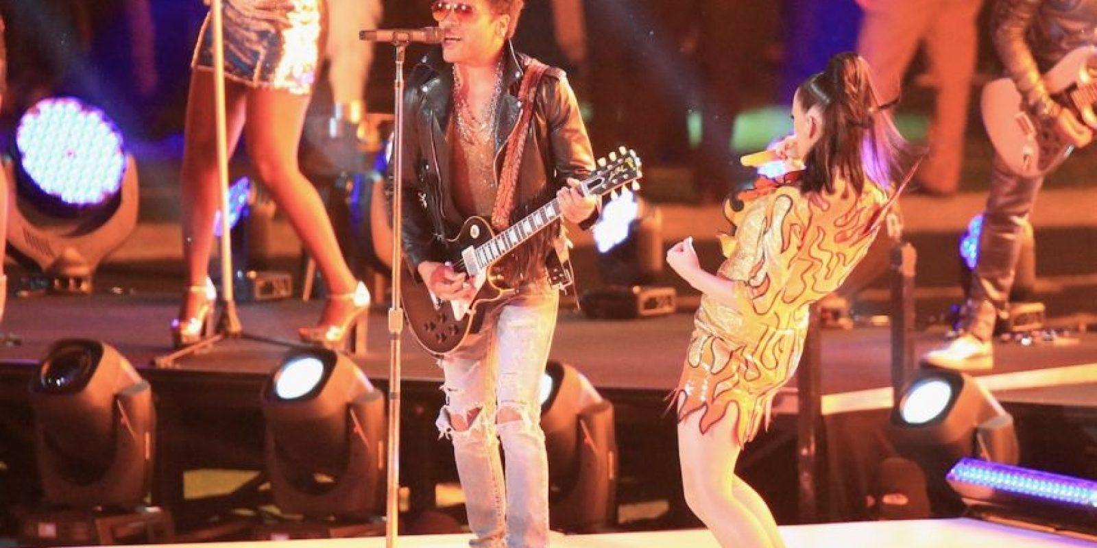 """Juntos interpretaron la canción """"I Kissed the Girl"""". Foto:Getty Images"""