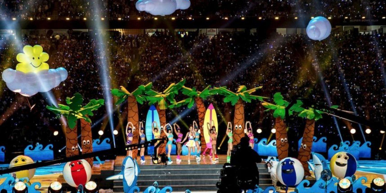 Para el siguiente número, una playa apareció en medio del escenario. Foto:Getty Images