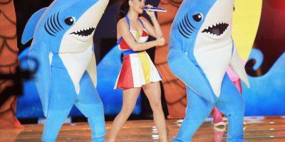 Katy Perry celebró su nominación al Emmy con su famoso tiburón