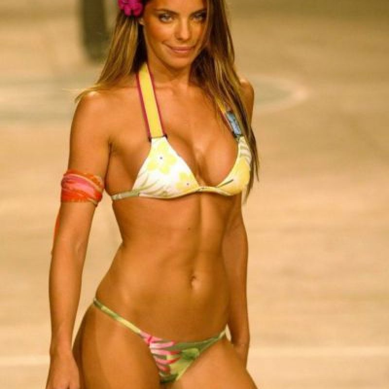 Empezó su carrera a los 12 años pero fue en el 2001 cuando alcanzó popularidad debido a un comercial de Pepsi, ya para el 2002 tenía jugosos contratos con Cia Maritima y Victoria's Secret. Luego se convirtió en una de las presentadoras más 'hot' de la cadena MTV Brasil Foto:Vía twitter.com/dani_cicarelli