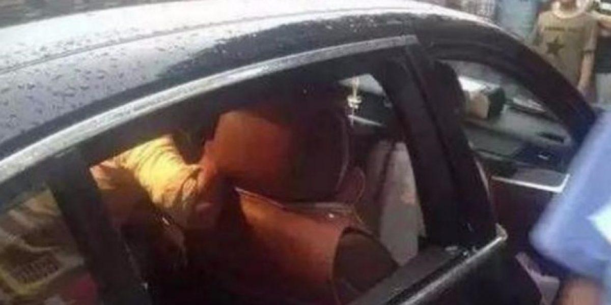 No permitía que rompieran la ventana de su BMW para salvar a su hijo