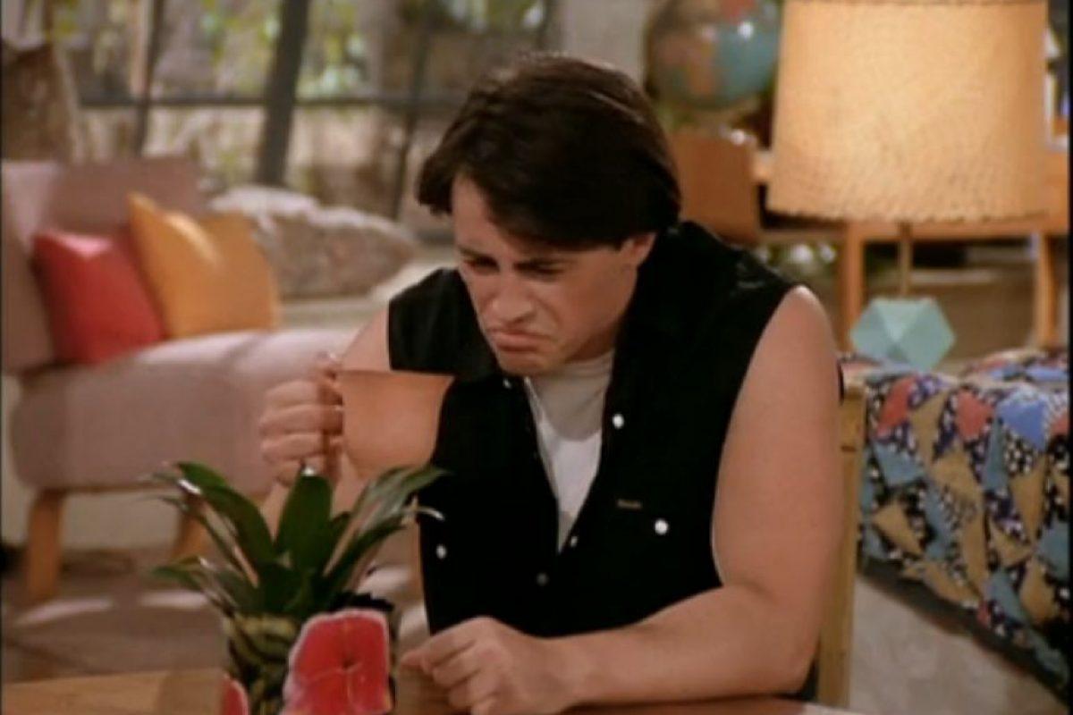 """El personaje de """"Joey"""" no fue planeado para ser tan despistado, fue Matt LeBlanc quien lo sugirió Foto:vía facebook.com/friends.tv"""