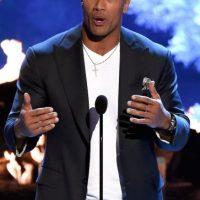 El actor bromeó con sus seguidores al presentar su supuesto dedo roto. Foto:Getty Images