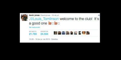 """El ex Jonas Brothers molestó a las fans de One Direction, cuando supuestamente incluyó en su """"club de padres"""" al cantante Louis Tomlinson. Foto:vía twitter.com/kevinjonas"""