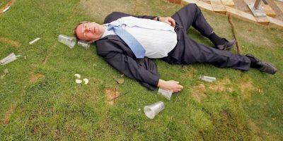 El alcoholismo es un padecimiento que genera una fuerte necesidad de ingerir alcohol Foto:Getty Images