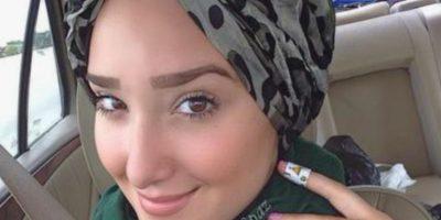 VIDEO: A esta mujer musulmana la insultaron en público solo por usar maquillaje
