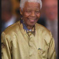 """4. """"La pobreza no es natural, es creada por el hombre y puede superarse y erradicarse mediante acciones de los seres humanos. Y erradicar la pobreza no es un acto de caridad, es un acto de justicia"""" Foto:Getty Images"""