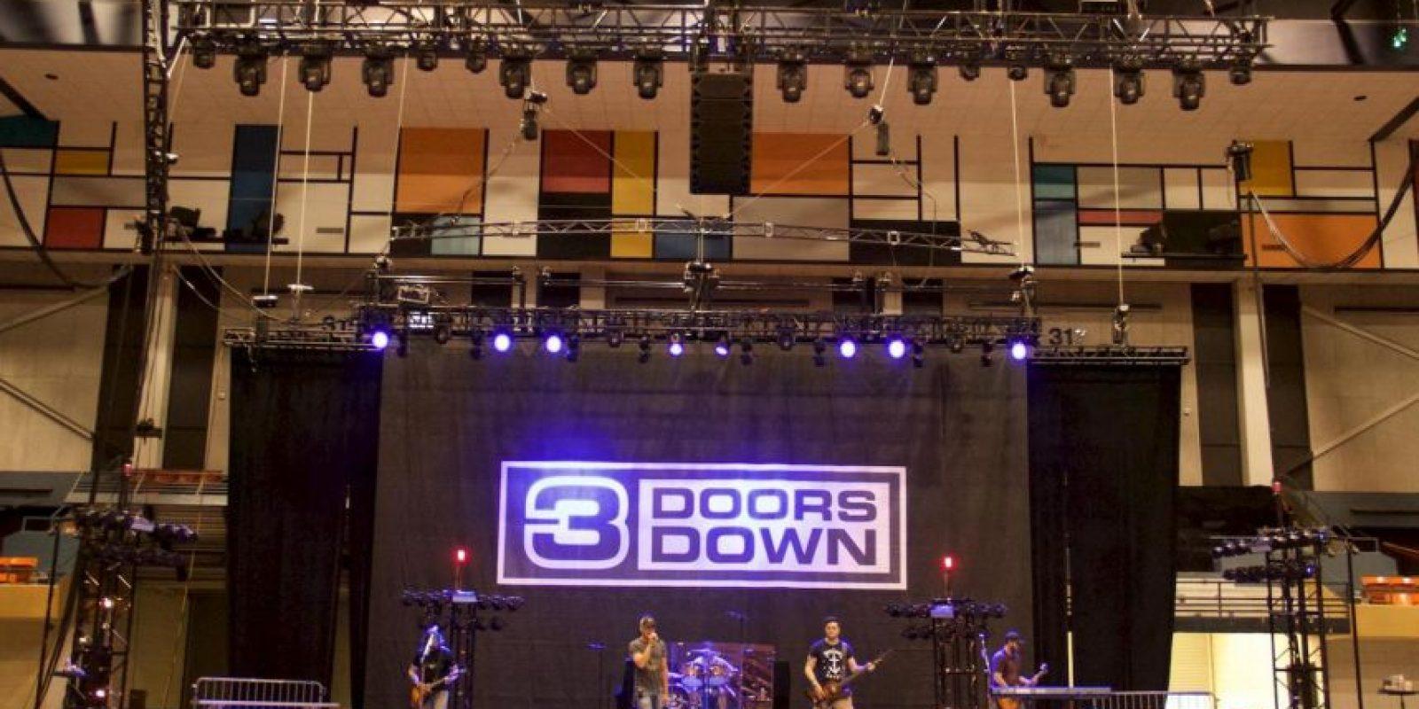 Forma parte de la banda 3 Doors Down. Foto:vía facebook.com/3DoorsDown
