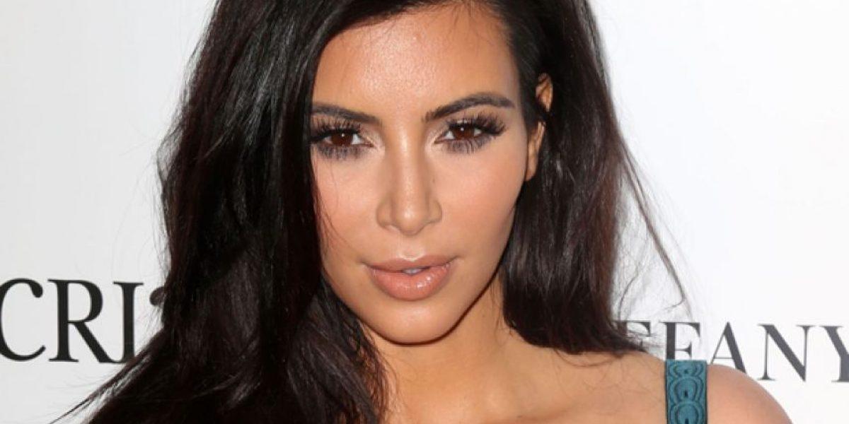 FOTO: Kim Kardashian posó sin nada de ropa solamente con esto