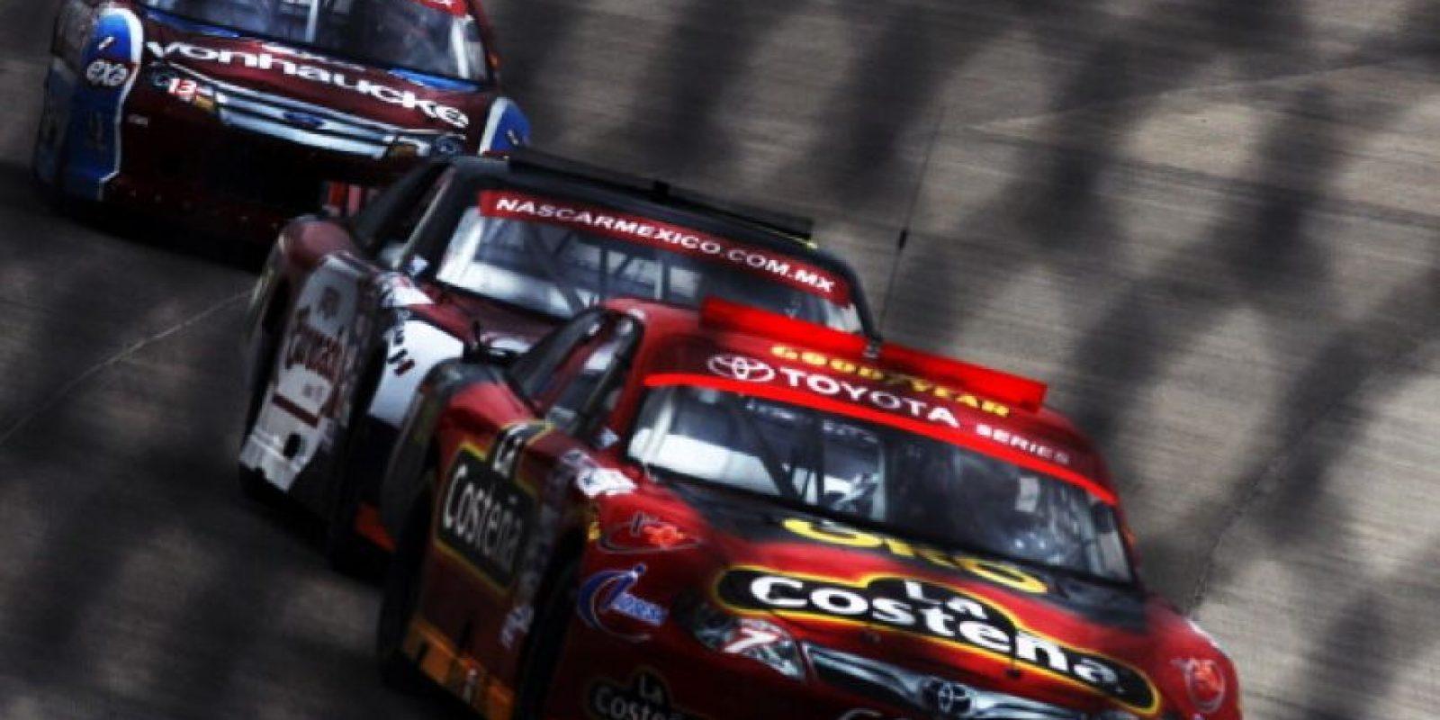 En 2009, durante la NASCAR Series México, el piloto mexicano Carlos Pardo murió luego de sufrir un accidente durante una carrera en la ciudad de Puebla. Pardo luchaba con Jorge Goeters por el liderado de la prueba, pero en el giro 97, tras un contacto entre ambos vehículos, el coche de Pardo salió disparado y se estrelló contra el muro de contención a más de 200 kilómetros por hora. Foto:Getty Images
