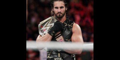Seth Rollins enfrentó a Brock Lesnar Foto:WWE