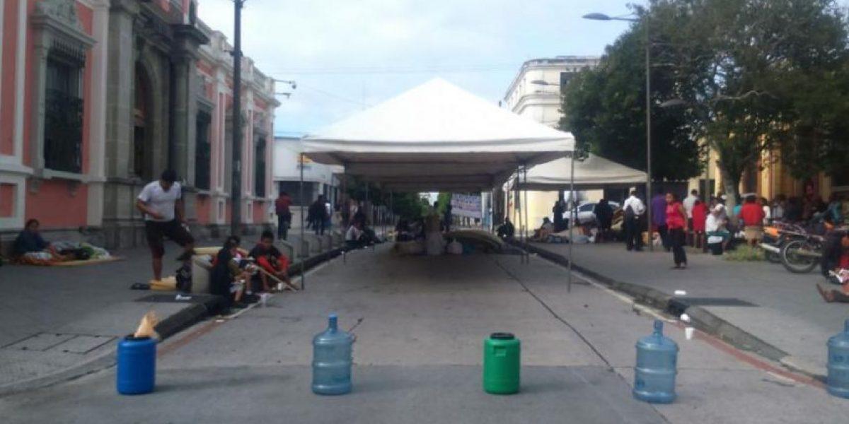 Campamento para inscribir a candidata sigue en el Tribunal Supremo Electoral