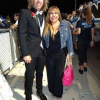 Joseph Baena junto a su madre. Foto:The Grosby Group