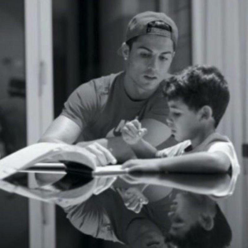 El hijo del futbolista nació en 2010, sin embargo la identidad de su madre es desconocida. Foto:vía instagram.com/cristiano