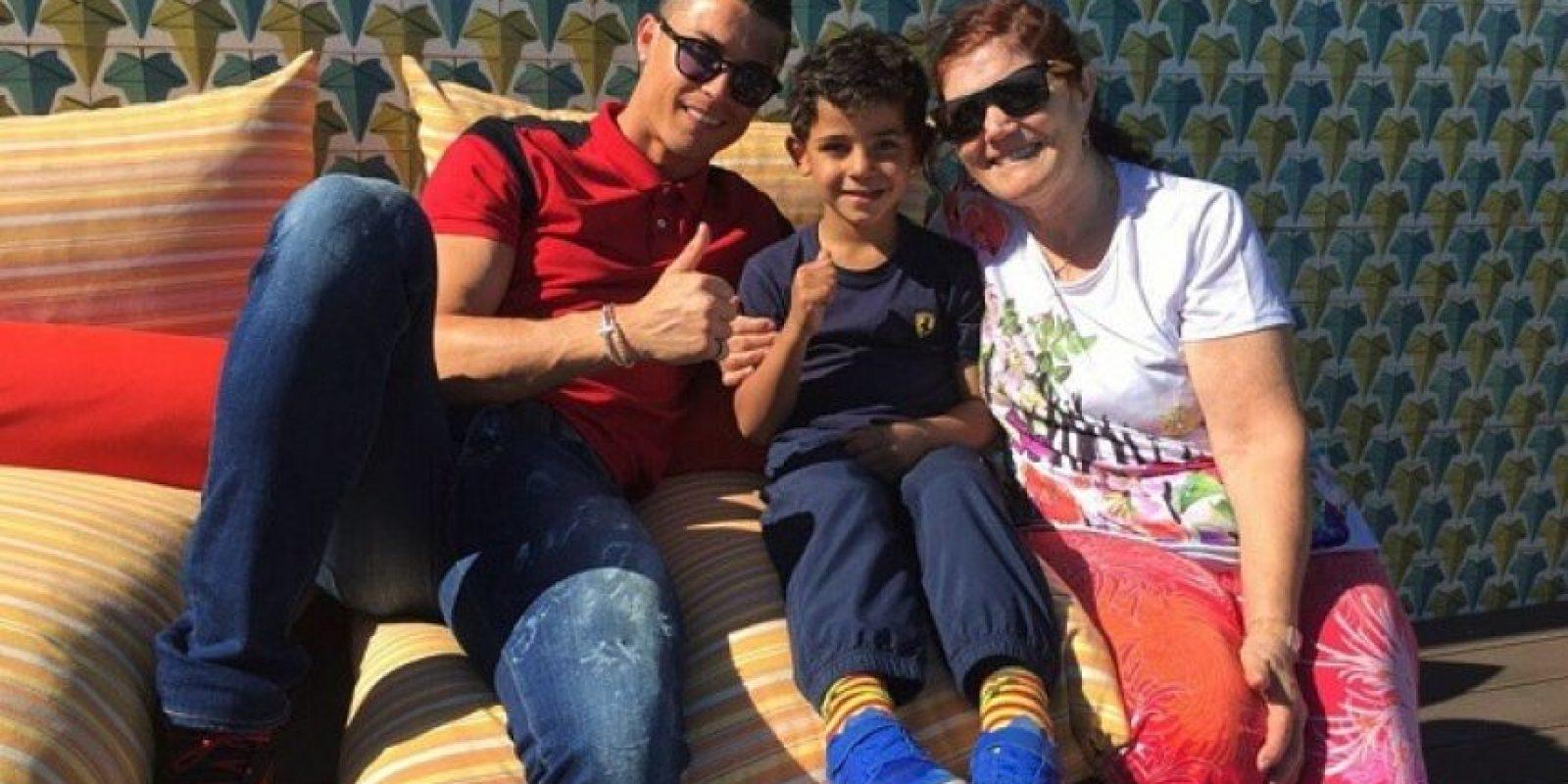 """""""El niño es nuestro. No voy a decir cómo llegó a nostros, pero garantizo que es el hijo de mi hermano"""", agregó en su entrevista. Foto:vía instagram.com/cristiano"""