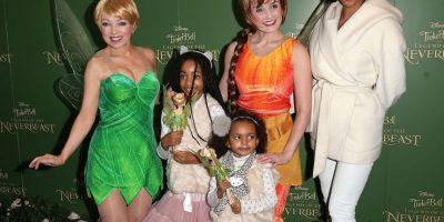 "Mel B junto a sus hijas Angel Iris (izquierda) y Madison en el estreno de la película ""Tinkerbell and the Legend of the Neverbeast"". Foto:Getty Images"