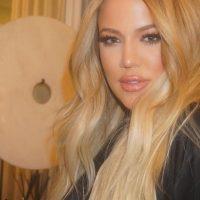 Khloé Kardashian fue relacionada sentimentalmente con el jugador de la NBA, James Harden. Foto:Instagram/KhloéKardashian