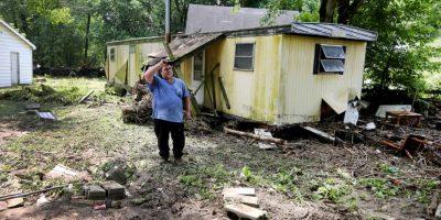 Sin embargo, la corriente del agua arrastró su casa rodante. Foto:AP
