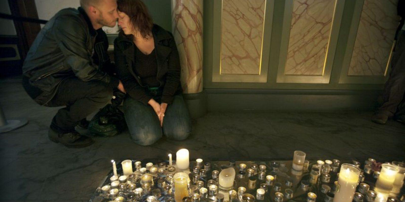Hubo 77 muertos en total. Ocho en Oslo y 69 en Utoya. Foto:Getty Images