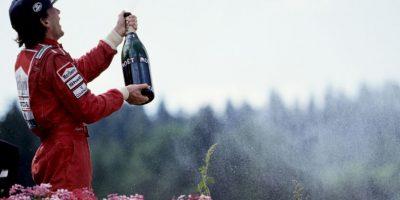 El 1 de mayo de 1994 perdió la vida Ayrton Senna. El tricampeón mundial de Fórmula 1 e ídolo brasileño murió tras un accidente durante el Gran Premio de San Marino en el trazado de Ímola, Italia. Foto:Getty Images