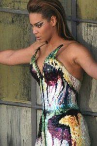 """10 años después Beyoncé lució el mismo vestido para su videoclip """"Diva"""". Foto:Getty Images"""