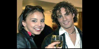 Con Chenoa mantuvo una relación por más de tres años. Ambos cortaron a sus respectivas parejas cuando se conocieron Foto:Twitter