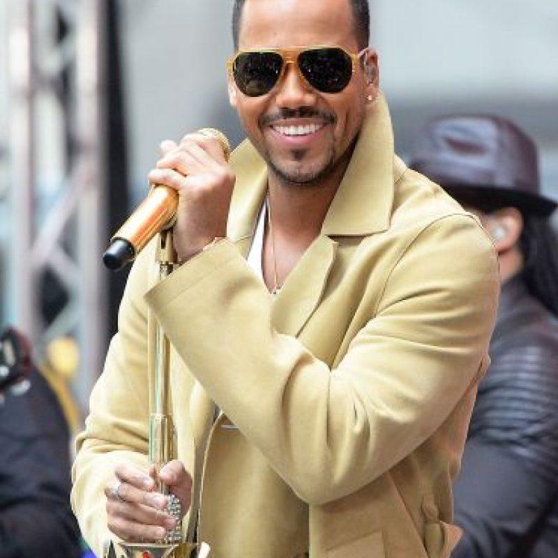 El cantante disfruta cada momento con sus seguidoras. Foto:Getty Images
