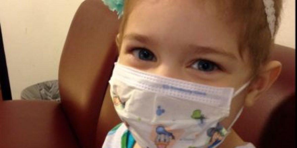 FOTOS: Esta pequeña con cáncer se