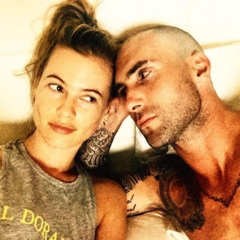 Considerado uno de los hombres más sexis, Adam decidió raparse. Foto:Instagram/AdamLevine
