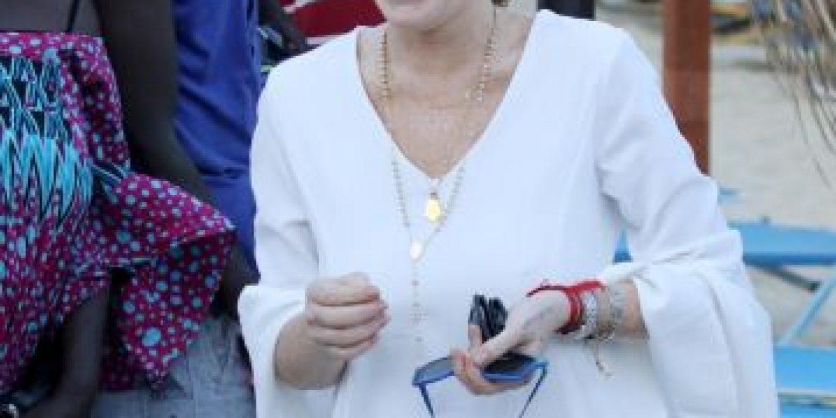 No le importó el traje de baño, Lindsay Lohan nada en el mar en ropa interior