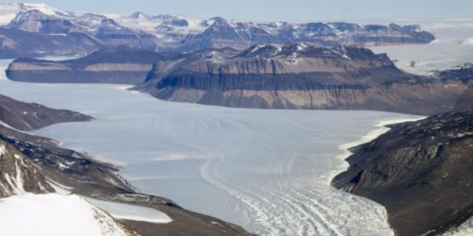 Así lucen los congelados paisajes del glaciar Taylor, al oeste del Valle McMurdo, desde el Landsat 8. Foto:Vía nasa.gov